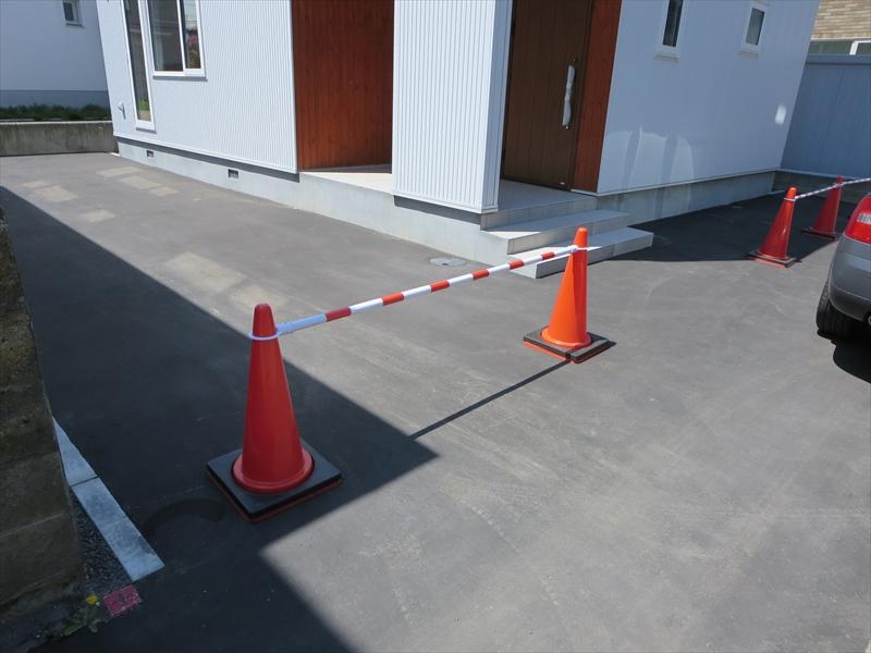 駐車スペース(間口3.5m×奥行10.7m)で2台置けます